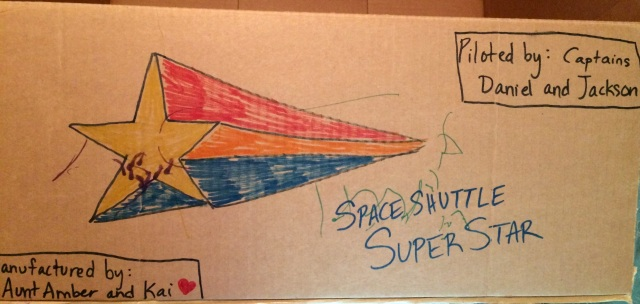 DIY-rocket-ship-cardboard-box